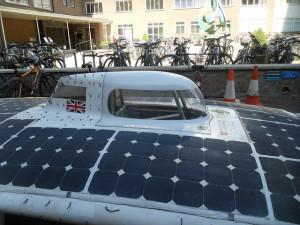 Autóverseny napelemes hajtással